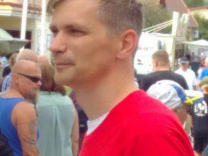 Närbild på Fredrik Åberg Jönsson, Vänsterpartiets regionrådskandidat.